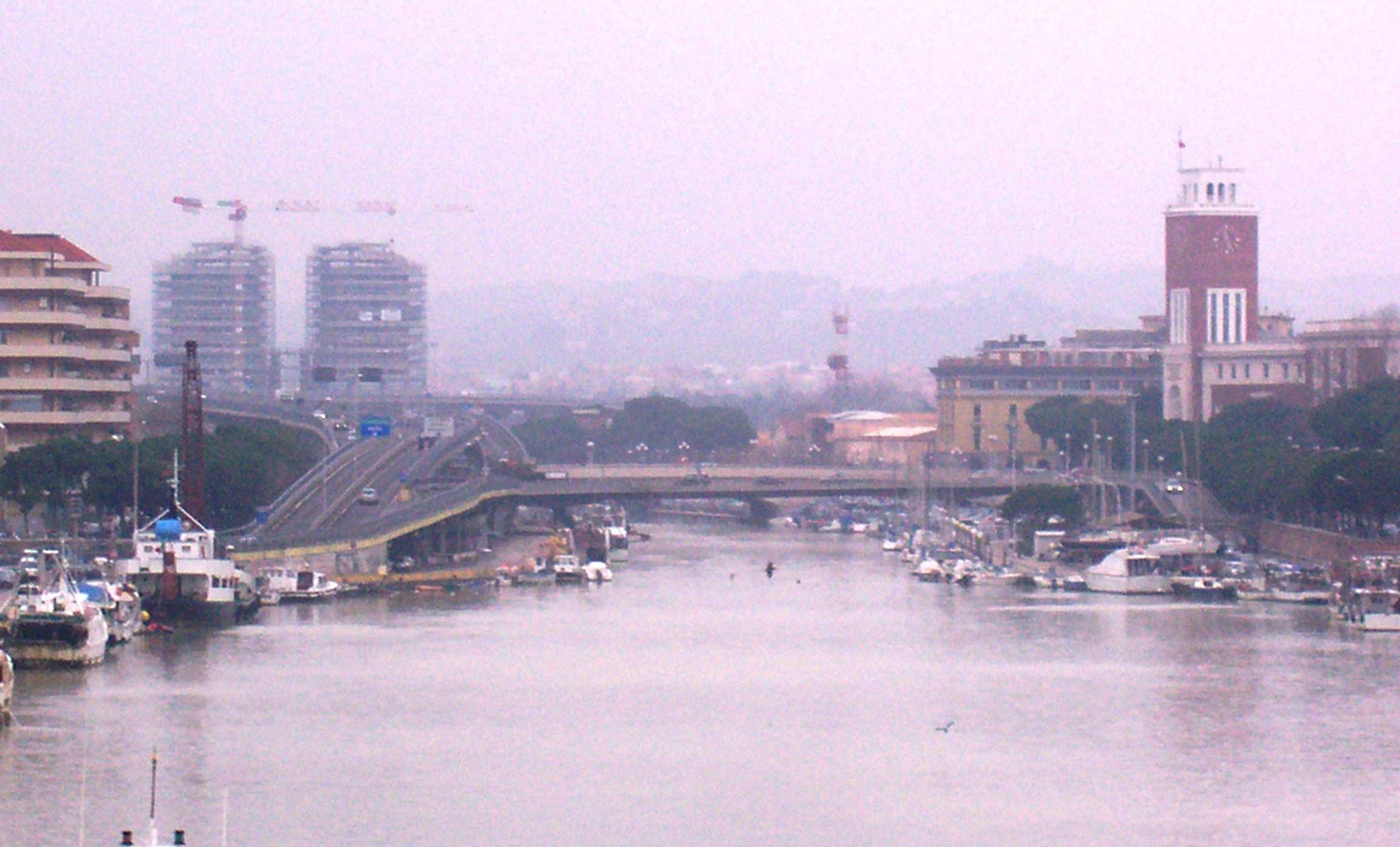 Il fiume Pescara visto dal Poro canale