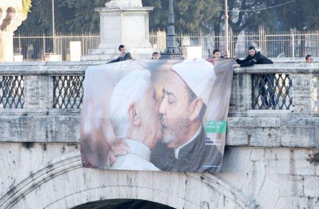 papa-benetton-imam-bacio-unhate (1)