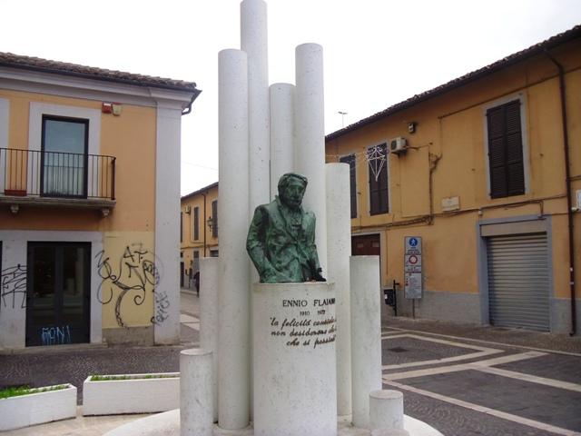 monumento Flaiano