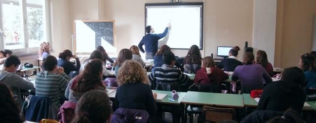 Secondo l'Associazione italiana genitori, i compiti vanno rivisti e meglio proporzionati sull'età dei ragazzi e sul lavoro svolto in classe