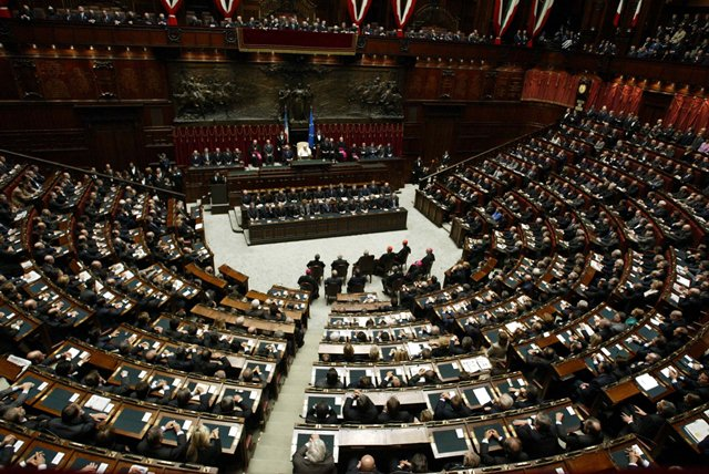 Dieci anni fa il papa in parlamento la porzione for Parlamento italiano deputati