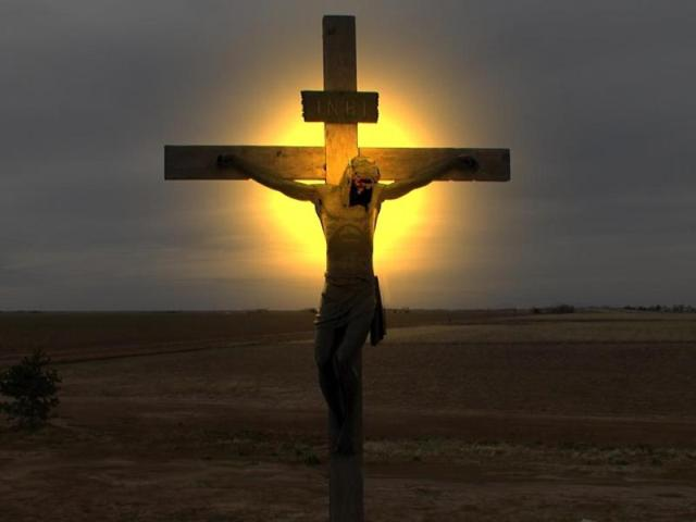 Senza la Croce di Cristo