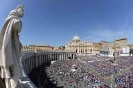 I fedeli in piazza San Pietro