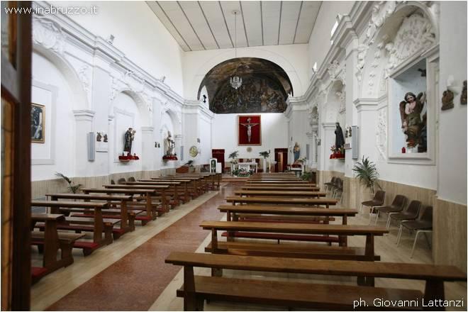 Montebello di Bertona (Pe), chiesa di San Pietro Apostolo