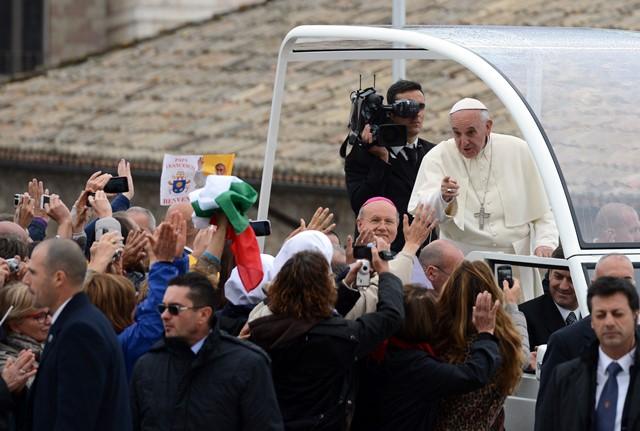 Assisi  04-10-2013Papa Francesco nel viaggio pastorale ad AssisiBasilica superiore di San FrancescoPh: Cristian Gennari/Siciliani
