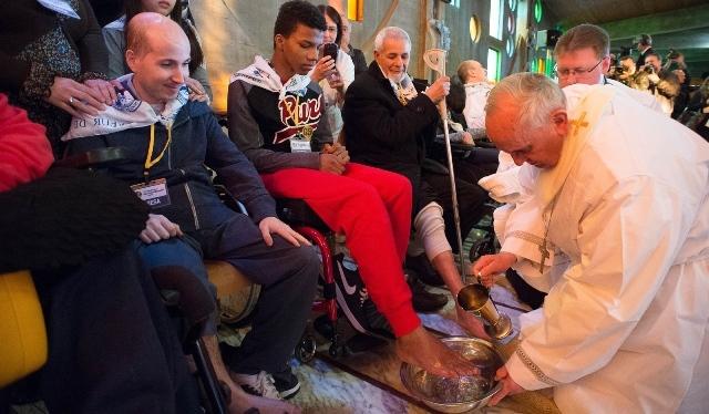 lavanda piedi Papa Francesco