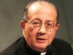 Monsignor Bruno Forte, segretario speciale del Sinodo