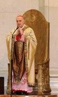 cardinale Angelo Comastri, arciprete della Basilica di San Pietro