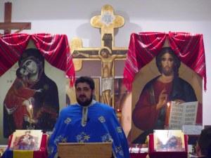 Padre Iarca Alin, presiede il Vespro ortodosso