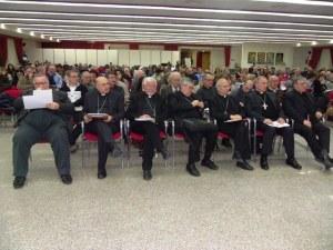 Alcuni vescovi della Conferenza episcopale abruzzese e molisana, in un recente convegno regionale
