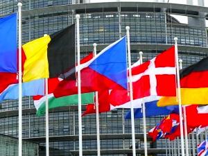 9009-parlamento-Europeo-560x375