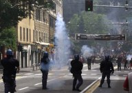 Un'azione di repressione compiuta dalla  Polizia, durante il G8