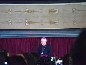 Mons. Cesare Nosiglia, ieri, ha aperto l'Ostensione 2015 della Sacra Sindone