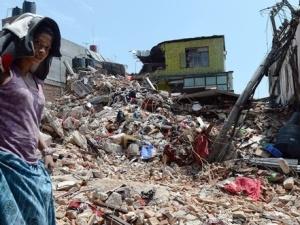 Dopo la terribile scossa di terremoto, magnitudo 7.9, in Nepal restano solo macerie
