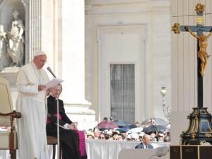 Papa Francesco presiede l'udienza generale del mercoledì