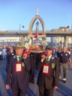 Le reliquie di San Cetteo in processione