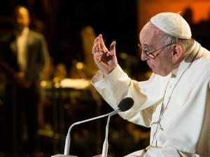 Papa Francesco interviene all'ottavo Incontro mondiale delle famiglie