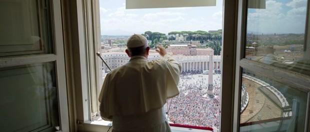 Denaro piacere e successo abbagliano ma poi deludono - Finestra del papa ...