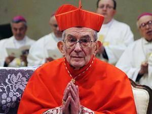 Il cardinale Loris Capovilla, due anni fa, appena ricevuta la berretta cardinalizia