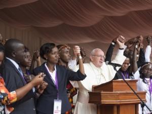 Papa Francesco incontra giovani allo stadio Karasani di Nairobi