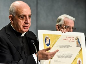 Monsignor Rino Fisichella, presidente del Pontificio Consiglio per la nuova evangelizzazione, presenta le ultime novità del Giubileo