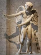Eros che incorda l'arco, I-III sec. d.C. (copia romana  di un'originale di Lisippo del IV sec. a.C.),  marmo, Musei Capitolini, Roma