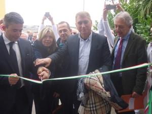 Il taglio del nastro del nuovo Istituto tessuti della Asl dell'Ospedale Civile di Pescara