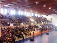 Il Palasport Giovanni Paolo II di Pescara gremito da 1.500 studenti