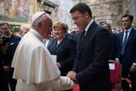 L'incontro tra Papa Francesco, il premier italiano Matteo Renzi e la cancelliera tedesca Angelo Merkel