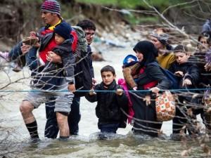 Un gruppo di migranti in fuga