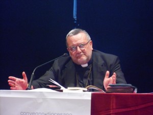 Mons. Tommaso Valentinetti tira le conclusioni del Convegno diocesano