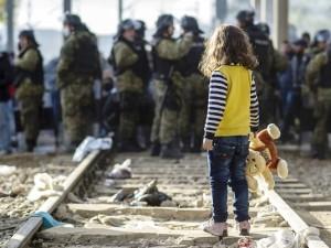 bambina-migrante