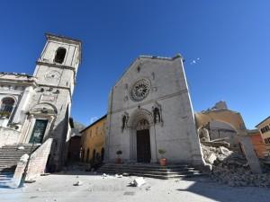 La Basilica di San Benedetto, a Norcia, distrutta dal terremoto di domenica