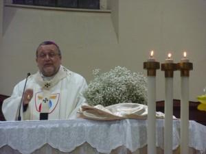 Monsignor Tommaso Valentinetti, presiede la Santa messa di Ognissanti