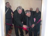 Padre Giulio Alkbanese e l'arcivescovo Valentinetti inaugurano il Centro missionario diocesano