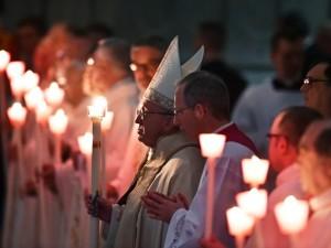Papa Francesco, presiede la messa in occasione della Giornata mondiale della vita consacrata