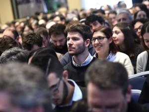 Giovani ed educatori presenti al Convegno nazionale di Pastorale giovanile a Bologna