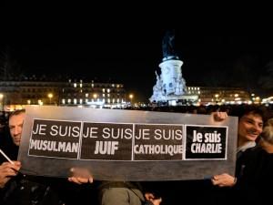 Rassemblement-place-Republique-Paris-8-janvier-2015les-attaques-ayant-redaction-Charlie-Hebdo_0_728_485