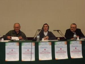 Il tavolo dei relatori con Padre Aldo D'Ottavio, Suor Alessandra Smerilli e monsignor Tommaso Valentinetti